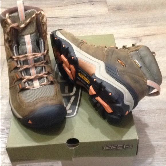 e9653207b70 New tag 8.5 keen women gypsum hiking boots leather NWT